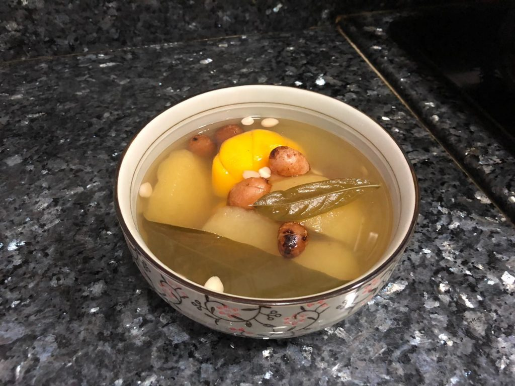 【止咳最強】 龍脷葉海底椰桔餅石黃皮蘋果茶_黃巴士