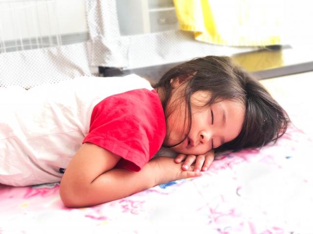 香港小學生運動睡眠皆不足_黃巴士