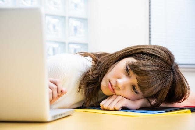 在職家長暑假壓力更大 主因是來自子女騷擾_黃巴士